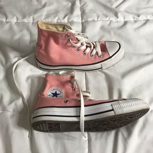 Like new baby pink converse chuck taylor size 5